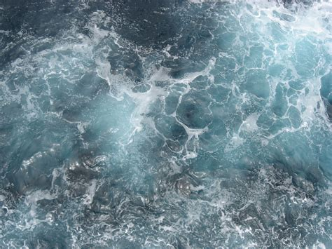 50 Free and Useful Water Textures | Top Design Magazine