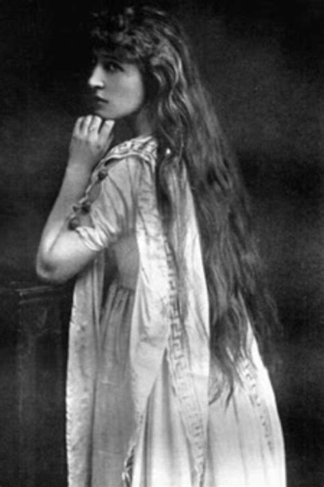 Lily Langtry, actress and royal mistress to 2⃣ Bertie
