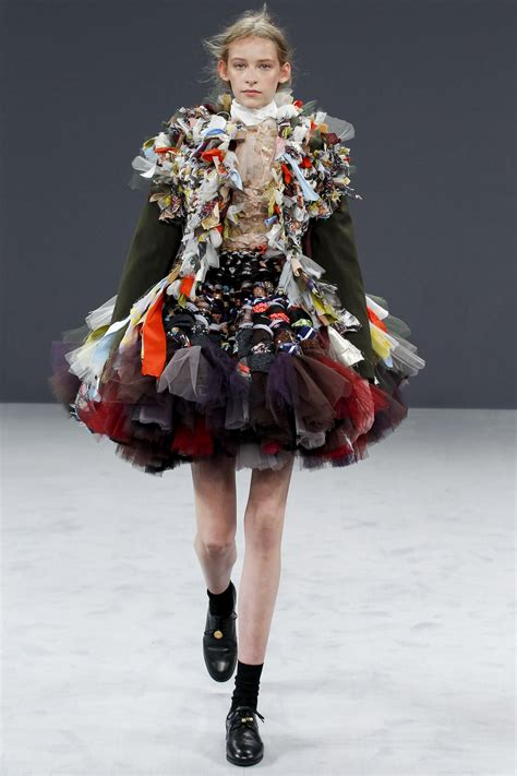 Featured Collection – Viktor and Rolf Fall 16 | Eco