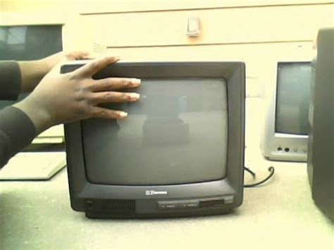 I Found a 1991 Emerson TC1369 CRT Television Set - YouTube