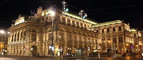 Famous Opera Singers At The Vienna Opera House