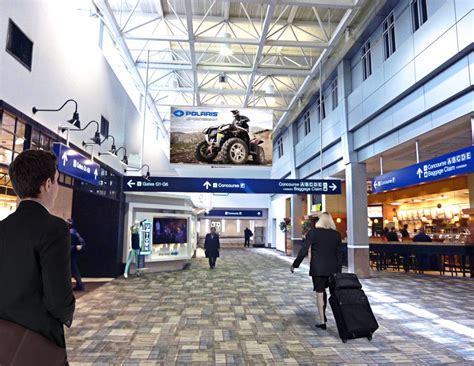Clear Channel Airports Signs 10-Year Agreement with