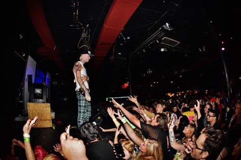 Photos: Emo-rap rising star Lil' Peep gets weepy with a