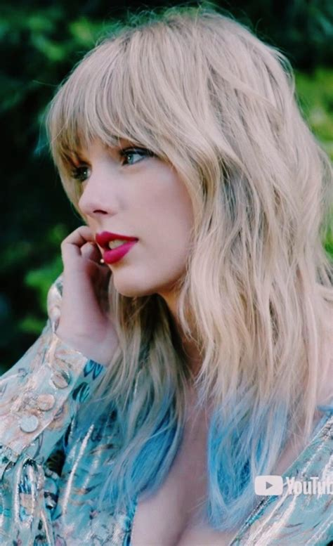 Classic Red   Taylor Swift Tumblr   Taylor Swift Instagram