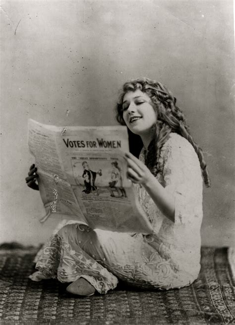 Friday Glam Spam: Mary Pickford | Garbo Laughs
